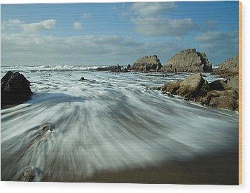 Waves At Blegberry Beach Wood Print by Pete Hemington