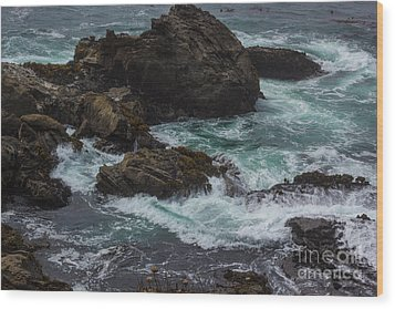 Waves Meet Rock Wood Print by Suzanne Luft
