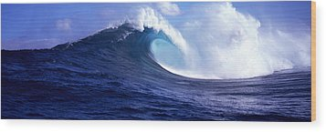 Waves Splashing In The Sea, Maui Wood Print