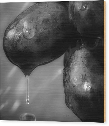 Wet Grapes Two Wood Print by Bob Orsillo
