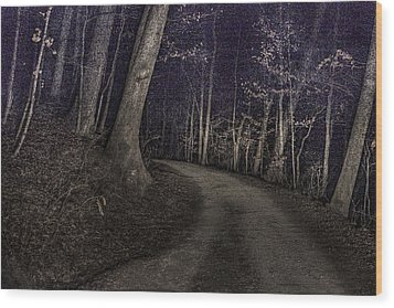 What Lies Lurking Wood Print by William Fields