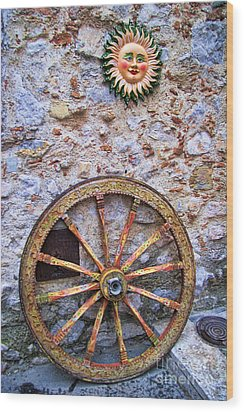Wheel And Sun In Taromina Sicily Wood Print by David Smith