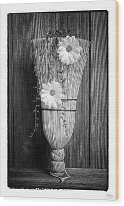 Whisk Bloom - Art Unexpected Wood Print by Tom Mc Nemar