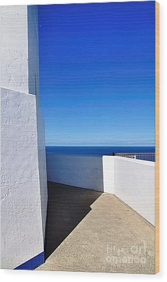 White And Blue To Ocean View Wood Print by Kaye Menner