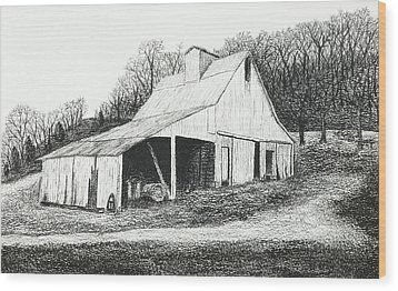 White Barn On Bluff Road Wood Print
