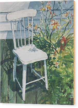 White Chair And Day Lilies Wood Print by Joy Nichols