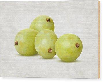 White Grapes Wood Print by Danny Smythe