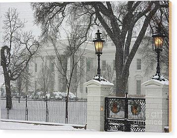 White House Christmas Wood Print