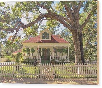 White Oak Manor Jefferson Texas Wood Print by Donna Wilson
