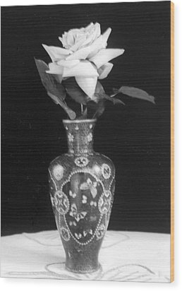 White Rose Antique Vase Wood Print