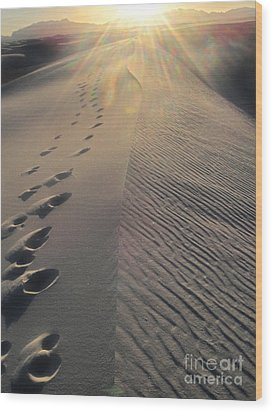 White Sands New Mexico Footsteps In The Sand Wood Print by Gregory Dyer
