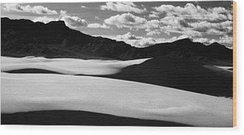 White Sands Nm Wood Print by Erik Poppke