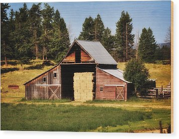 Whitefish Barn Wood Print by Marty Koch