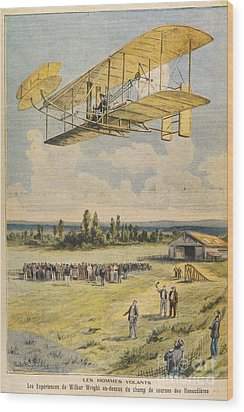 Wilbur Wright Airborne Wood Print by Mary Evans Picture Library