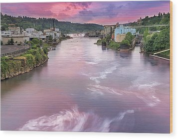 Willamette Falls During Sunset Wood Print by David Gn