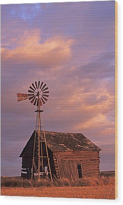 Windmill And Barn Sunset Wood Print