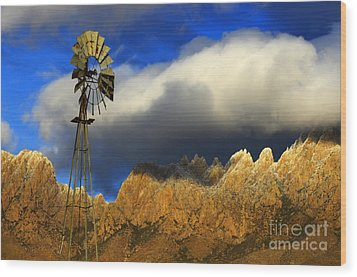 Windmill At The Organ Mountains New Mexico Wood Print by Bob Christopher