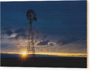 Wood Print featuring the photograph Kansas Lighthouse by Shirley Heier