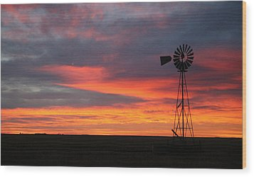 Windmill Sunrise Wood Print by Shirley Heier