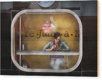 Window - Hoboken Nj - Hale And Hearty Soups  Wood Print by Mike Savad