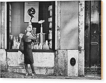 Window Shopping In Lisbon Wood Print by John Rizzuto