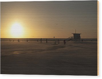 Windy Sunset At Santa Monica Beach Wood Print by Oscar Karlsson