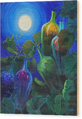 Wine On The Vine Wood Print by Sandi Whetzel