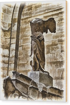 Winged Victory - Louvre Wood Print by Jon Berghoff