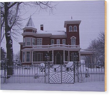 Winter Afternoon At Stephen King Victorian Mansion In Bangor Maine Wood Print