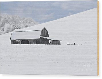 Winter Barn Wood Print by Benanne Stiens