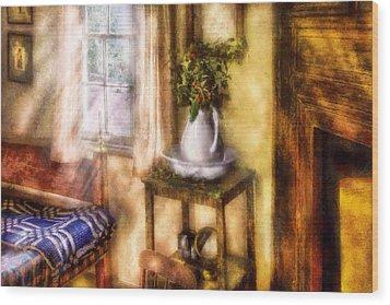 Winter - Christmas - Early Christmas Morning Wood Print by Mike Savad