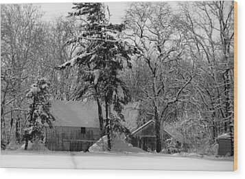 Winter On The Farm Wood Print by Thomas Fouch