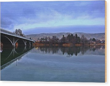 Wood Print featuring the photograph Winter Reflection by Lynn Hopwood