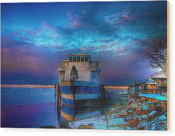 Welcome Sun Breaking The Cold Wood Print by Dennis Baswell