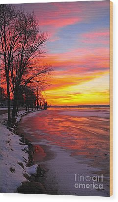 Wood Print featuring the photograph Winter Sunrise On Lake Cadillac by Terri Gostola