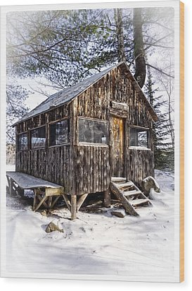 Winter Warming Hut Wood Print by Edward Fielding