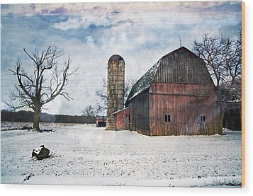 Winters Day Barn Wood Print by Cheryl Cencich
