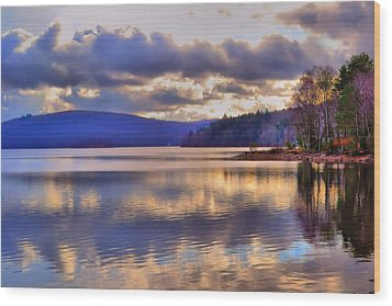 Winters Lake Wood Print by Dave Woodbridge