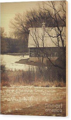 Wisconsin Barn In Winter Wood Print by Jill Battaglia