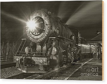 Wmsr Engine 734 At The Frostburg Depot Wood Print by Jeannette Hunt