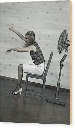 Woman With Fan Wood Print by Joana Kruse