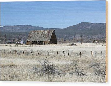 Wooden Barn Near Susanville Wood Print by Carol M Highsmith