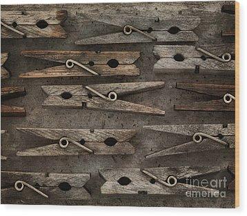 Wooden Clothespins Wood Print by Priska Wettstein