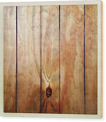 Wooden Panel Wood Print by Les Cunliffe