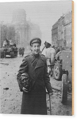 World War 2, Battle Of Berlin, April Wood Print by Everett
