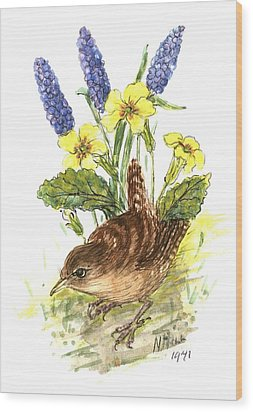 Wren In Primroses  Wood Print by Nell Hill