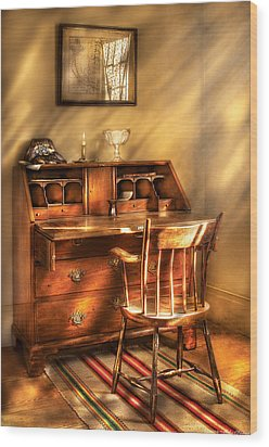 Writer - A Chair And A Desk Wood Print by Mike Savad