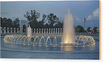 Ww II Memorial At Sunset Wood Print