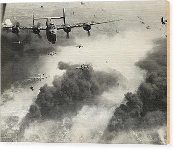 Wwii B-24 Liberators Over Ploesti Wood Print