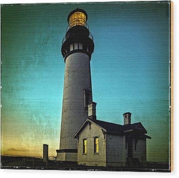 Yaquina Head Lighthouse At Sunset Wood Print